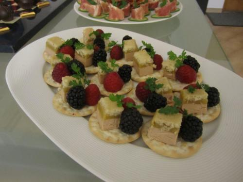 toast au foie-gras, fruits rouges